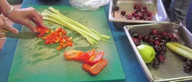 Découpage de fruits et légumes_recadrée